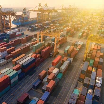Taller de Coberturas y Cotización de Divisas + Comercio Exterior (COMEX)