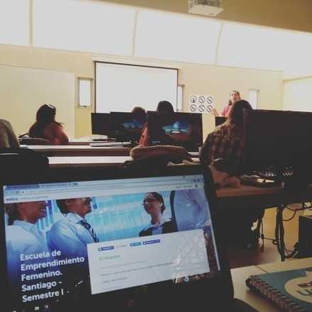 Pre Inscipciones - Escuela de Emprendimiento Femenino. Santiago - Semestre II
