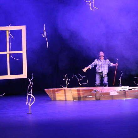 Puerto Teatro presenta,  Felicidad Teatro Ambiental