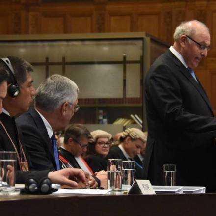 """Conferencia Internacional: """"Fallo de La Haya: Estrategias para el triunfo de Chile"""" con Claudio Grossman"""